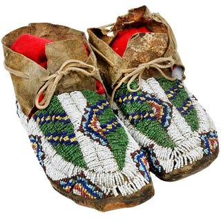 Men's Beaded Hide Moccasins
