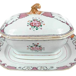 Chinese Export Tureen with Platter