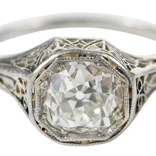 Platinum Diamond Antique Ring