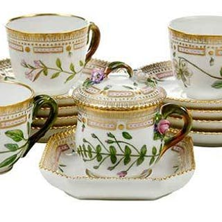 17 Piece Royal Copenhagen Flora Danica Set