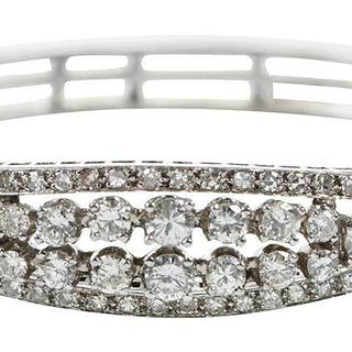 14kt. Diamond Hinged Bangle Bracelet