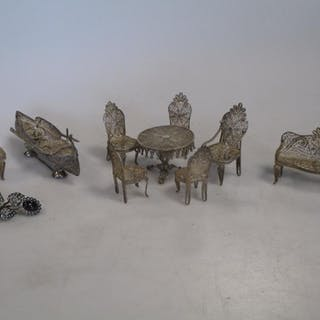 A Filligree silver miniature suite of seat furniture and two brooches