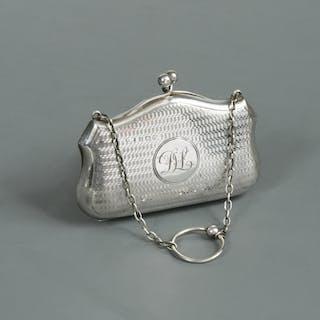 A George V silver dance purse, maker's mark indistinguishable, Birmingham