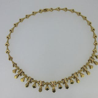 A modern Italian fringe necklace marked '750', composed of varying