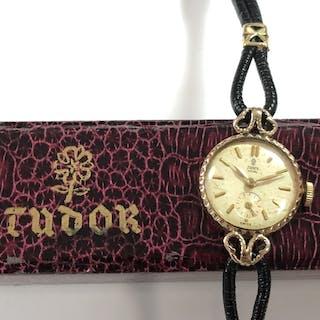 Tudor by Rolex - A lady's 'Tudor Royal' 9ct gold wristwatch, circa