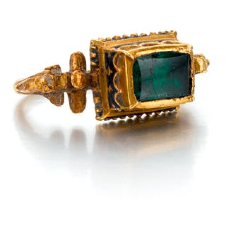 SPANISH OR SOUTHERN GERMAN, LATE 16TH CENTURY   RING