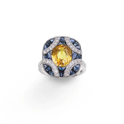 Yellow sapphire, sapphire and diamond ring [Bague saphir jaune, saphirs
