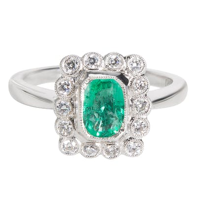 BRAND NEW Diamond & Emerald Vintage Style Ring in 18K White Gold (0.83 CTW)