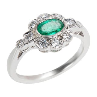 BRAND NEW Diamond & Emerald Vintage Style Ring in 18K White Gold (0.32 CTW)