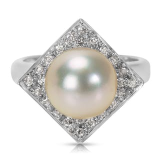 Pearl & Diamond Cocktail Ring in 18K White Gold (0.25 CTW)