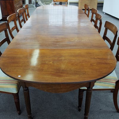 A Regency mahogany extending dining table with pair of 'D' end sections