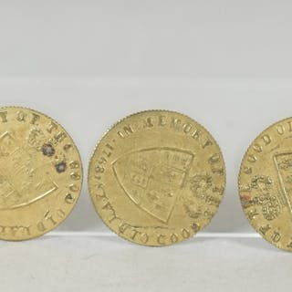 Nineteenth century brass guinea gaming counters, reverse legend 'In