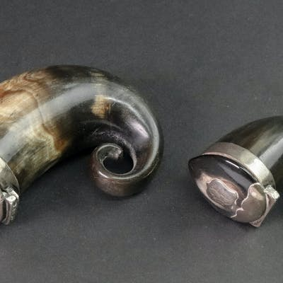 Two Scottish rams horn snuff mulls, 19th century, each with hinged