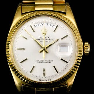 A gentleman's 18ct gold cased Rolex Oyster Perpetual...