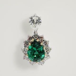 Emerald and Diamond Pendant Lot # 85 Melbourne