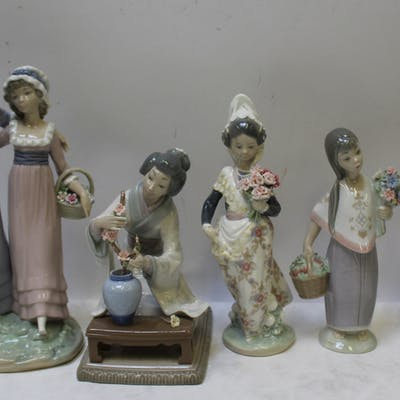 LLADRO. Grouping of Porcelain Figures with Flowers