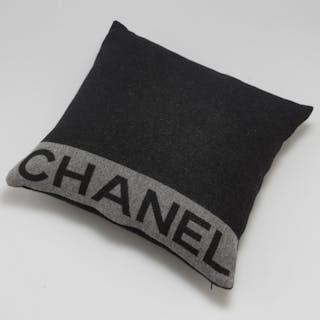 Chanel – Auktion – Alla auktioner på Barnebys.se 5311b49f8cf5a