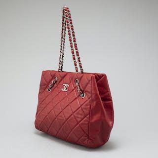 Chanel bag – Auction – All auctions on Barnebys.com dfa5c0c66bed5