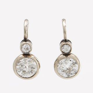 EARRINGS 18K whitegold w 4 old-cut Diamonds approx 1,5 ct in total