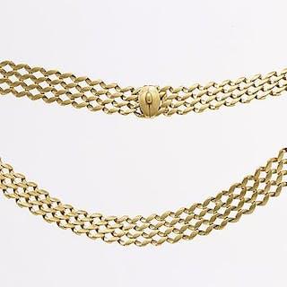 An 18 Carat gold necklace length 44 cm, weight 55,3 gr.