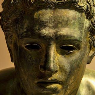 Robert Funk, Roman bronze head,  Lost in thought (2018)