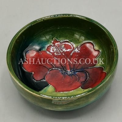 WALTER MOORCROFT Small BOWL IN THE HIBISCUS DESIGN ON GREEN ...