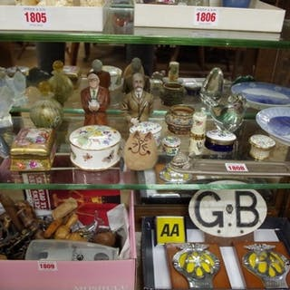 A mixed lot of ceramics and glass, to include a Sabino ...