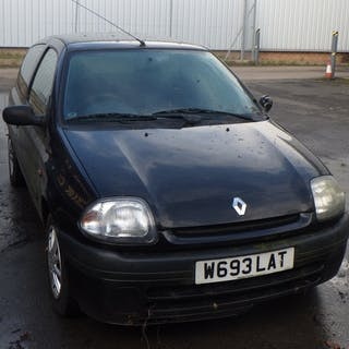 A Renault Clio, W693 LAT, non runner, no mot, sold as seen, ...