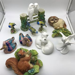 A Selection of collectable porcelain which includes Antique ...