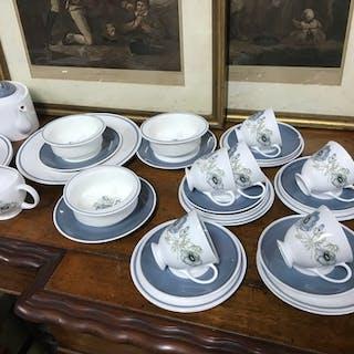 A 74 Piece Susie Cooper & Wedgwood 'Glen Mist' dinner, tea/c...