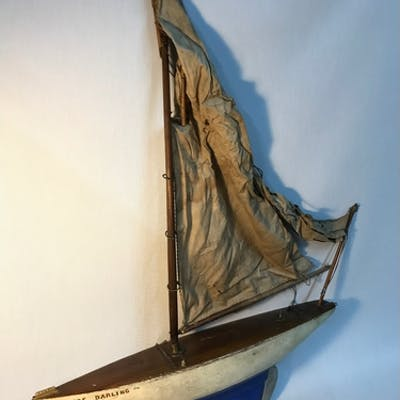 Antique pond sailing yacht , Sails need attention. Measures ...