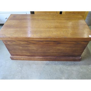 An Oak Storage Toy Box Made By A Local Cabinet Maker 94cm W Cur S Barnebys