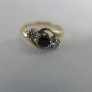 A 9ct yellow gold, sapphire ring, size J, approx 1.7 grams -...