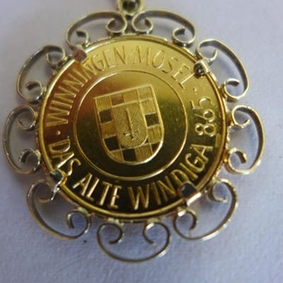 A gold wine medal from Winningen in Mosel, medal weight appr...