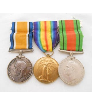 A First World War British War medal and Victory medal and a ...