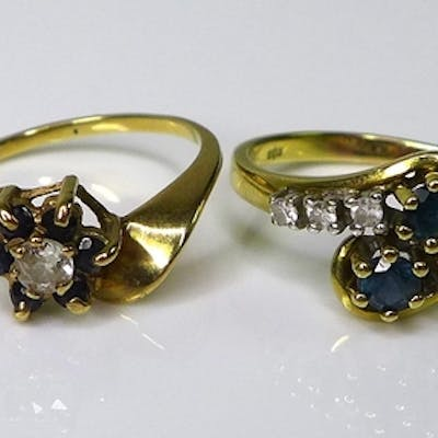 Private Collection-Vintage and Modern design rings: Two 9ct ...