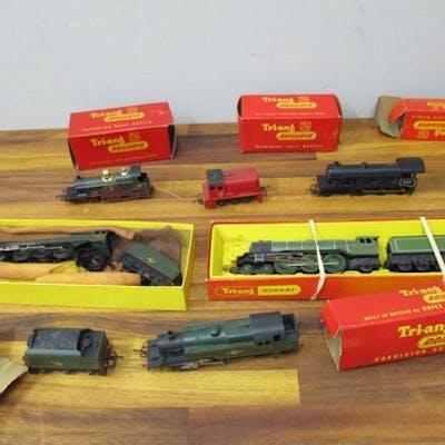 Triang, Hornby 00 gauge model railway locomotives to include