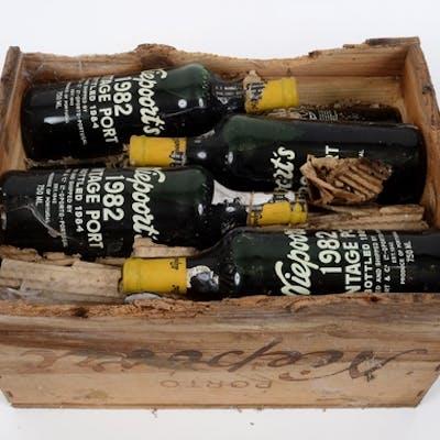 Twelve bottles of Niepoort vintage port, 1982, in own wooden...