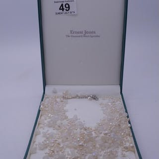 Ernest Jones, a pearl and simulated pearl necklace