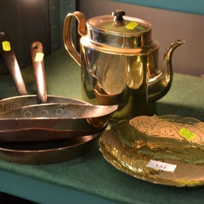 2 copper pans + brass kettle and dish