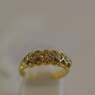 18ct gold & diamond ring, size M, gross weight 4.1 grams
