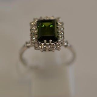 18ct white gold, green tourmaline & diamond cluster ring, si...