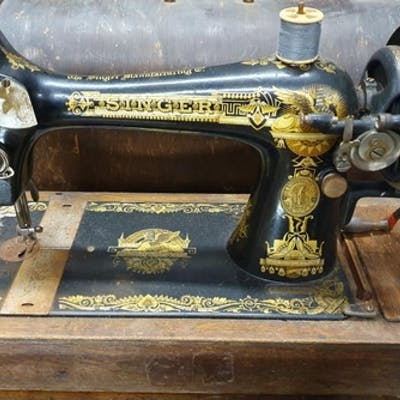 Singer Table Top Sewing Machine