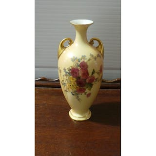 Royal worcester – Auction – All auctions on Barnebys.com on