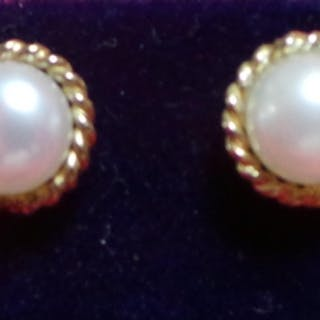 Gold Cultured Pearl Earrings
