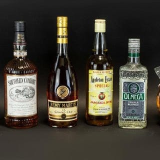 MIXED COLLECTION OF SPIRITS. 1litre Southern Comfort, 70cl R...