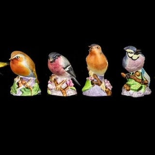 Royal Worcester Bone China Hand Painted Bird Figures ( 6 ) S...