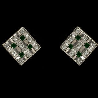 Ladies - Fine Pair of Attractive Art Deco Style 18ct Gold Sq...