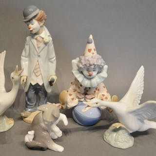 Two Lladro Porcelain Models of Clowns, together with a Lladr...
