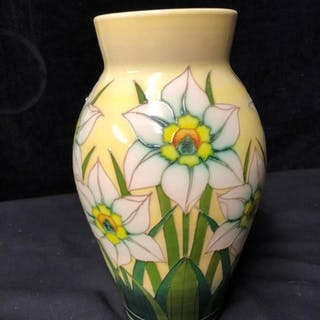 Sally Tuffin for the Dennis Chinaworks - Daffodil vase, pro...